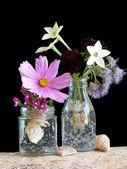 Niave Flower Arrangement — Stock Photo