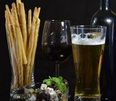 Bowl of Olives and a Beer — Stock Photo