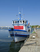 Fishing boat on the water — Stock Photo