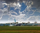 Transport aircraft for takeoff — Stock Photo