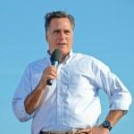 Mitt Romney campaigning outdoors — Stock Photo