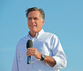 Mitt Romney campaigning outdoors — Stock Photo