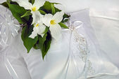 Trillium Bridal Bouquet — Stock Photo