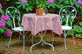 Old-fashioned ice cream table — Stock Photo