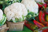 花椰菜和红辣椒 — 图库照片