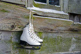 Hanging ice skates — Stock Photo