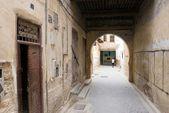 Ulicy w dzielnicy mieszkaniowej fes, maroko, afryka — Zdjęcie stockowe