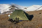 A Tent in Tundra in the Svalbard Archipelago in the Arctic — Stock Photo