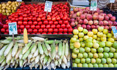 Fruits stall in Istandbul — Stock Photo