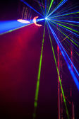 Luci laser su una pista da ballo — Foto Stock