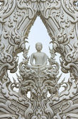 White buddha statue in sculpture north thai style — 图库照片