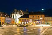 Brasov schwarze kirche in twilight - siebenbürgen, rumänien — Stockfoto
