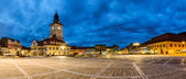 Panoramic view of Council Square in Brasov. night view — Stock Photo