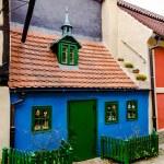 Little medieval houses on Golden Lane,Praha — Stock Photo #31974555