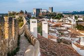 Befäst mur i óbidos, portugal — Stockfoto