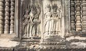 Bas-relief on the walls of the Angkor Watt — Stock Photo
