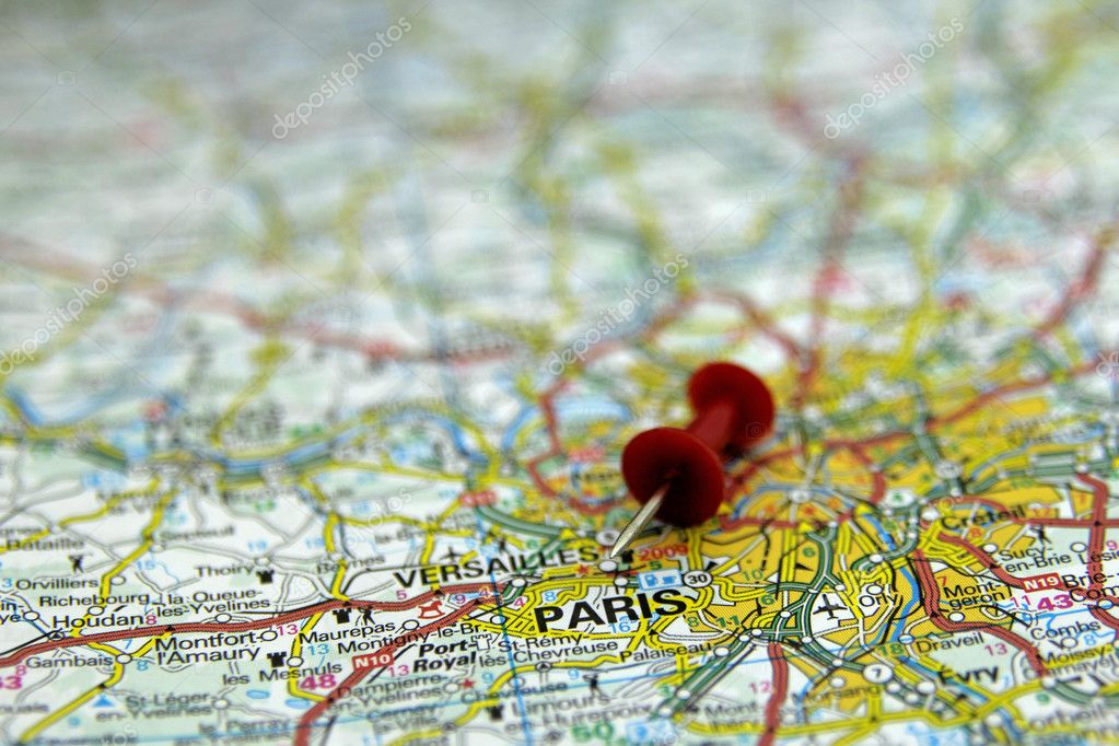 Red push pin pointing at Paris, France — Stock Photo #19124543