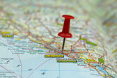 Push pin on a map -Dubrovnik, famous tourist destination in Croatia — Stock Photo