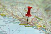 Push pin on a map -Dubrovnik, famous tourist destination in Croatia — Stock Photo