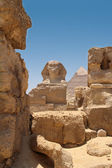 The Great Sphinx and Pyramid of Khafre — Stock Photo