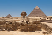 A view of the Pyramid of Khafre from the Sphinx- Giza, Egypt — Stock Photo