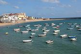 Caleta Beach and fishing boats in Cadiz, Spain — Stock Photo