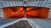 Oranje hier parkeren — Stockfoto