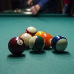������, ������: Billiard balls on a pool table