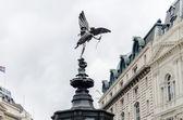 Eros socha na náměstí piccadilly circus, londýn, velká británie — Stock fotografie
