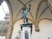 El tradicional de david y goliat estatua, florencia, italia — Foto de Stock