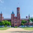 Smithsonian Castle, Washington DC — Stock Photo #28184961