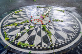 John Lennon Memorial at Central Park, New York — Stock Photo