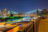 Manhattan Skyline and Brooklyn Bridge at Night — Stock Photo
