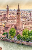 Sant' Anastasia Church and Lamberti Tower, Verona — Stock Photo