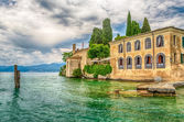 Lake Garda at Punta San Vigilio, Town of Garda, Italy — Stock Photo