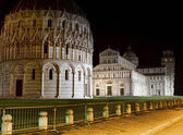 Leaning tower of Pisa by night — Stock Photo