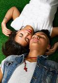 可爱的西班牙裔美国人情侣 — 图库照片