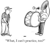 The drum player bothers the golfer — Stock Photo