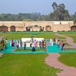 ������, ������: Indians at Rajghat memorial New Delhi