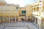 Little visitors in Kirti Mandir — Stock Photo