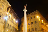 The statue of justice in the square in Florence — Stock Photo