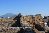 The ruins of Pompeii Vesuvius in the background — Stock Photo