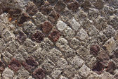 De oude metselwerk van de diamant-vormige bakstenen — Stockfoto