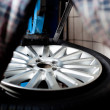 Tire change closeup — Stock Photo