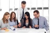Architekti, pracující v kanceláři — Stock fotografie