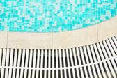 Modrou vodou bazén — Stock fotografie
