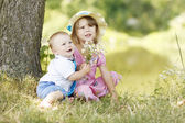 Brother and sister playing on the nature — Foto de Stock