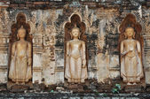 Standing Buddha on stupa — ストック写真