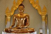 Pure golden Buddha in wat Traimit — Stock Photo