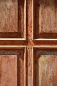 Cruz porta de madeira de castanho — Foto Stock